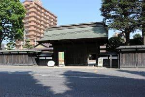 八戸城の角御殿表門(古桜門)