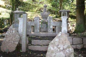 高森惟居の墓