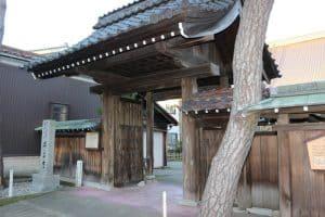 丸岡城の門( 興善寺)