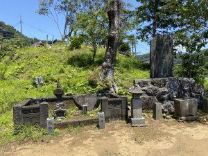 狩野茂光の墓(工藤茂光の墓)