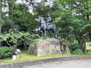 藤堂高虎の騎馬像