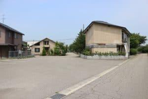 奥山荘歴史館と駐車場
