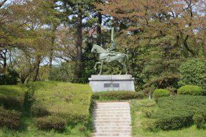 前田利長の銅像