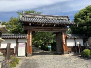 坂本城の移築城門(西教寺)