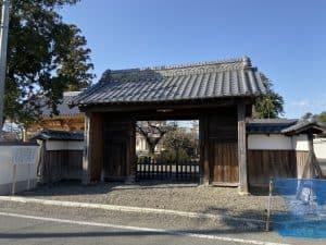 稲垣長茂の屋敷門